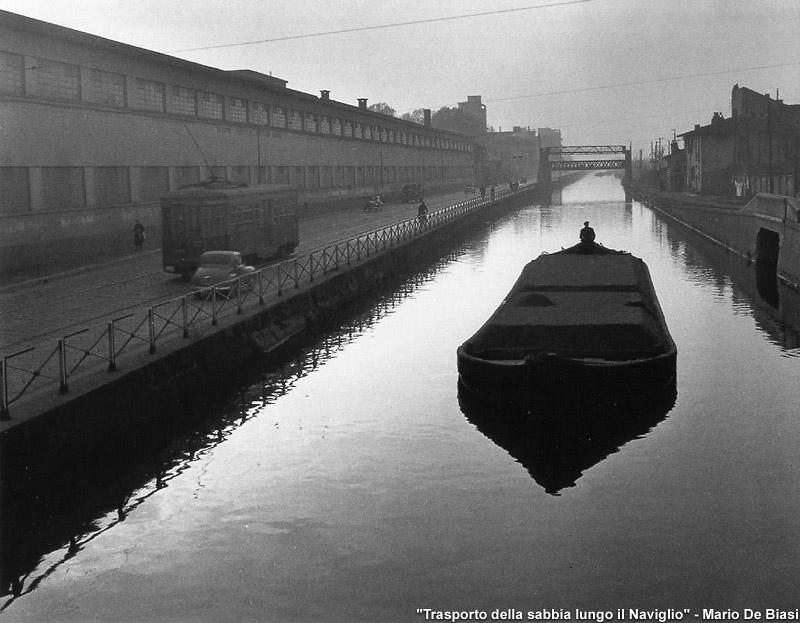 De Biasi, Milano, i Navigli.  II foto