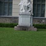 Statua di Mommsen unter dem Linden
