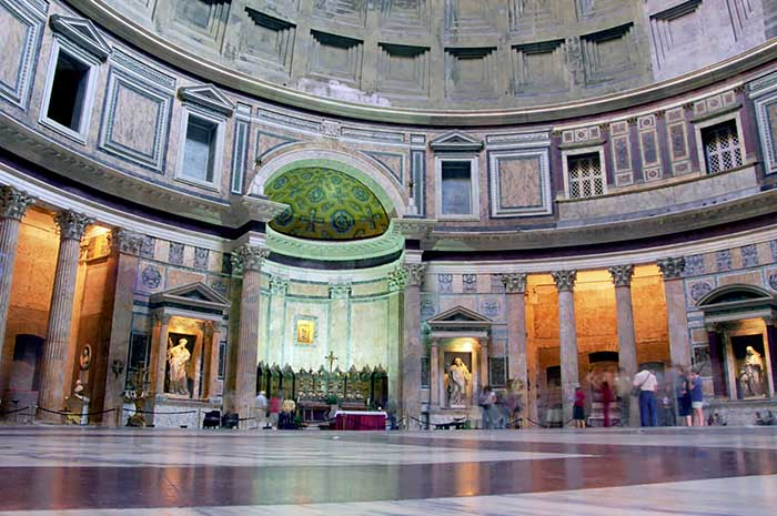 Roma : Il Pantheon (interno)