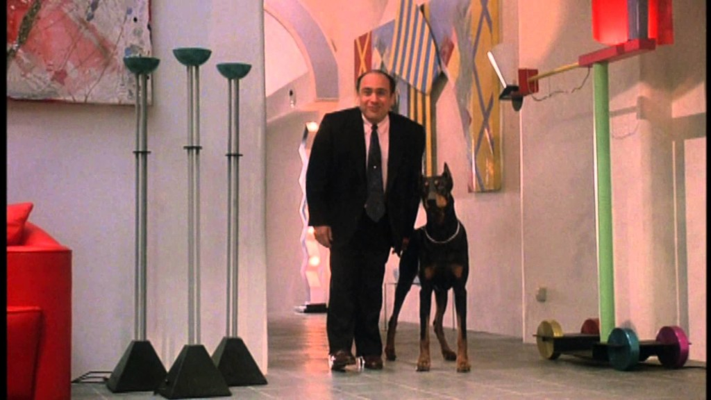 "Ruthless People: Sam con  cane ""Adolf"""