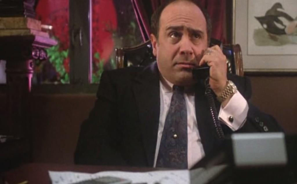 Ruthless People: Sam a telefono che parla con i rapitori