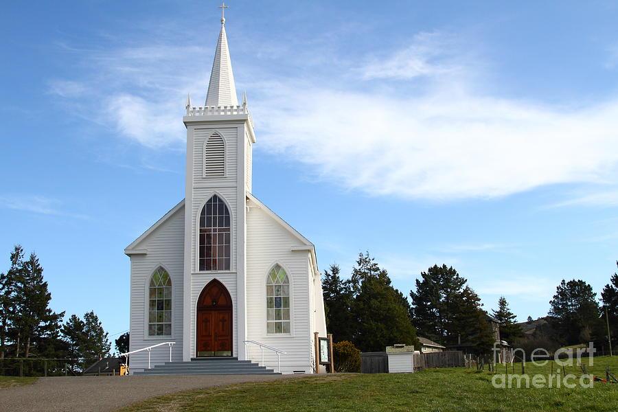"""Gli Uccelli"" : Chiesa cattolica di Bodega Bay"