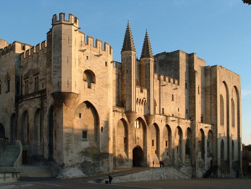 Avignone - Facciata del Palazzo dei Papi