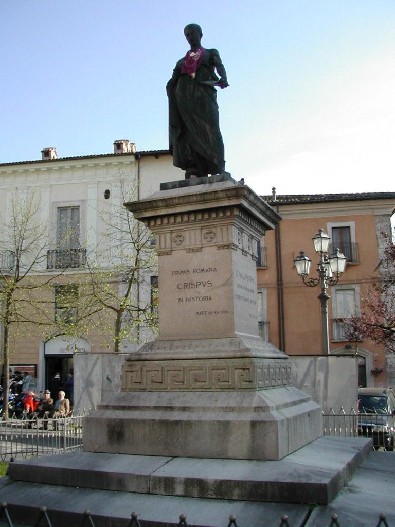 L'Aquila- Monumento a Gaio Sallustio Crispo
