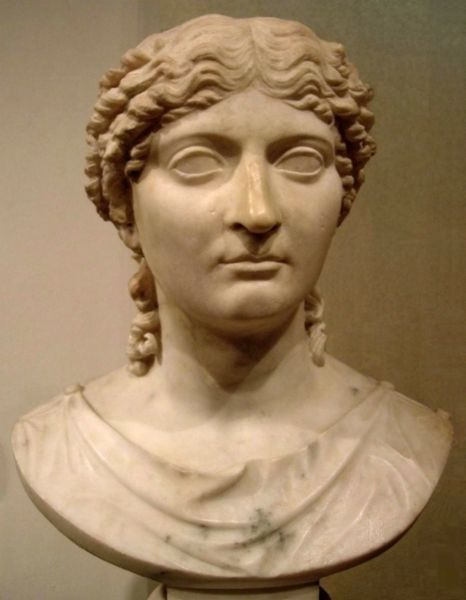 Busto di Agrippina Minore
