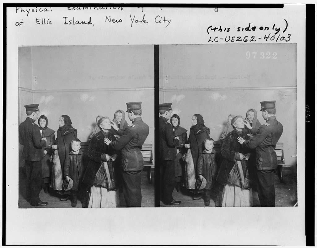 Visita medica alle donne. Ellis islaand; New York; USA. Anni '20