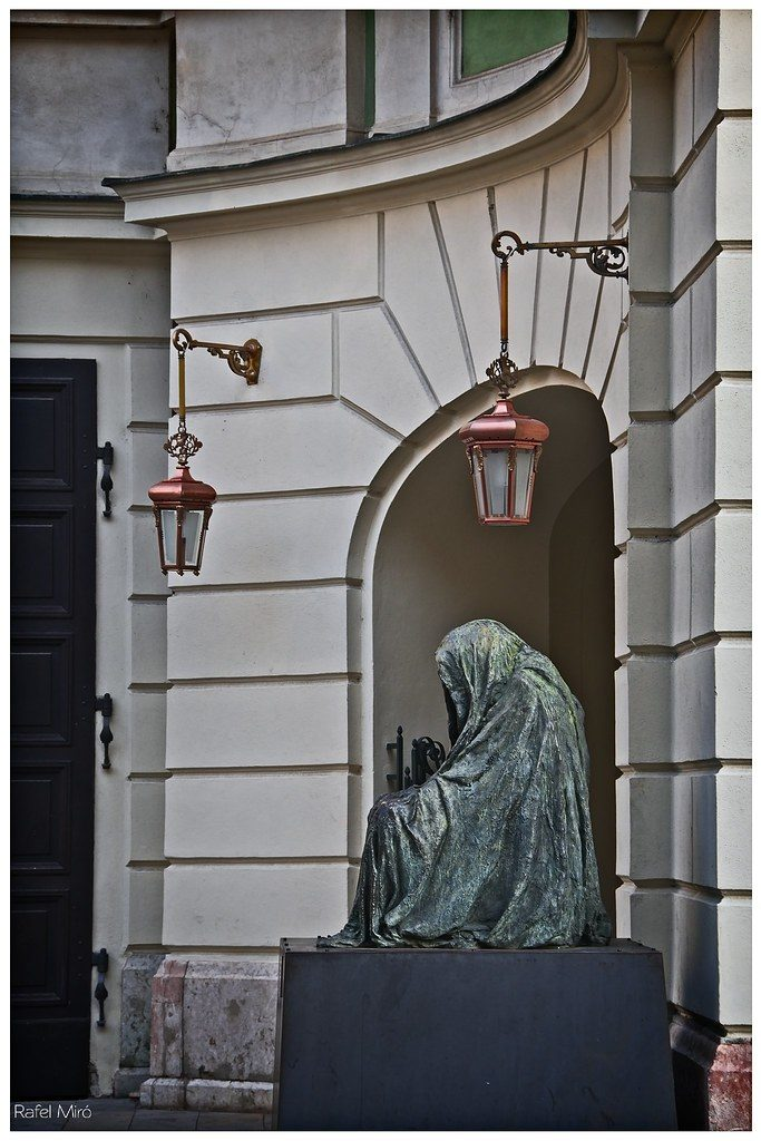 Il  Commendatore (Don Giovanni)
