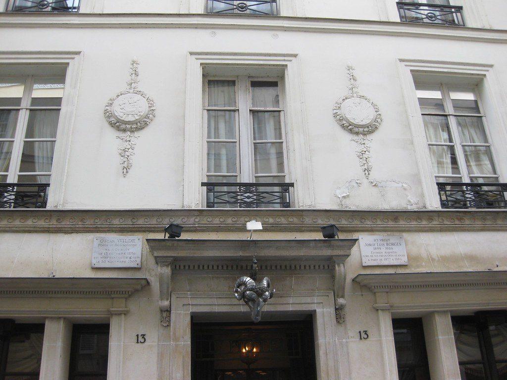 Hotel d'Alsace (Rue des Beaux Arts) dove morì Wilde, e successivamente visse Jorge Louis Borges